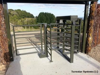 3/4 height turnstile